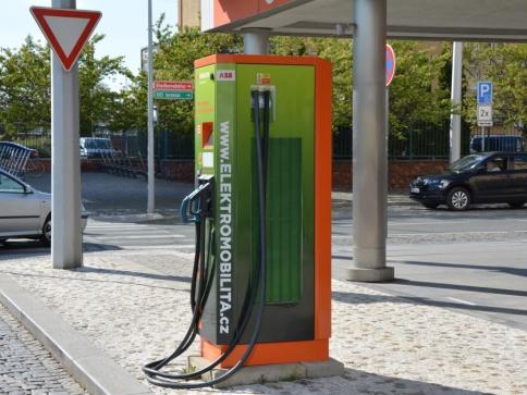 Konference Forum Elektromobilita přiveze do Prahy uznávané odborníky a ukáže perspektivy elektrického pohonu, ilustrační foto: Praha Press